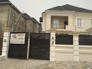 5 Bedroom fully detached luxury Duplex with 1 room BQ